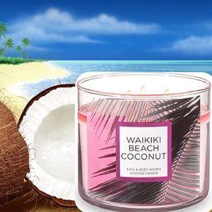 "NEW ""Waikiki Beach Coconut"" Candle"